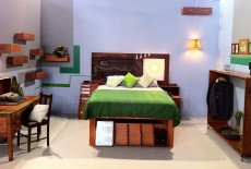 Upcycle Vintage Bedroom Top Design Jamie Durie Steve Trupp