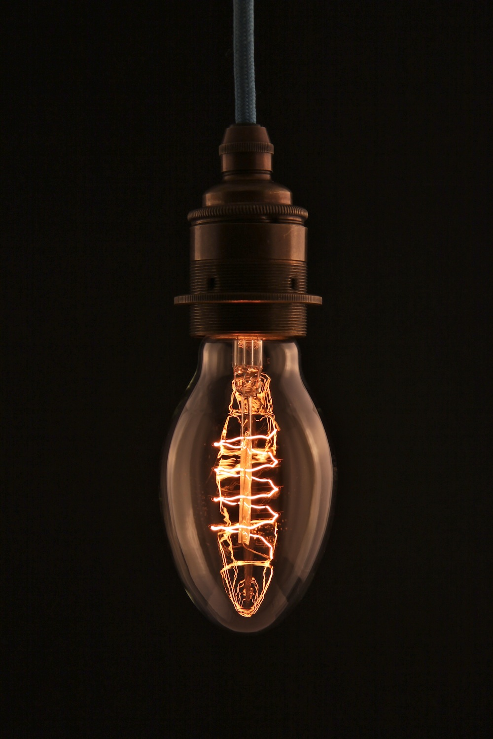 thomas edison with a light bulb k edison bulb pod style. Black Bedroom Furniture Sets. Home Design Ideas