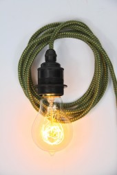 ZZ. 3m cloth cord + fixture + plug. Green with bronze Lampholder.