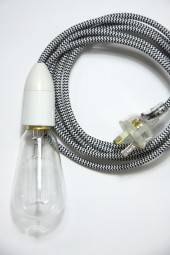 ZZ. 3m cloth cord + fixture + plug. B/W stripe with white.