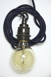 ZZ. 3m cloth cord + fixture + plug. Dark blue with bronze hook.