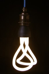 (Q) Plumen designer light bulb Bayonet -fitting pk6.